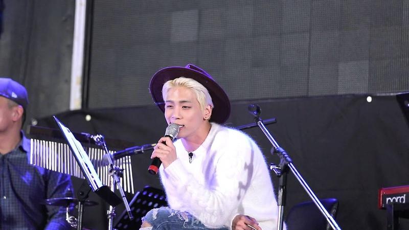 FANCAM 150918 홍대게릴라콘서트 데자 부 Deja Boo 샤이니 종현 JONGHYUN