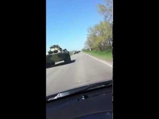 Ростов на Дону колонна Российской бронетехники движется к границам Украины
