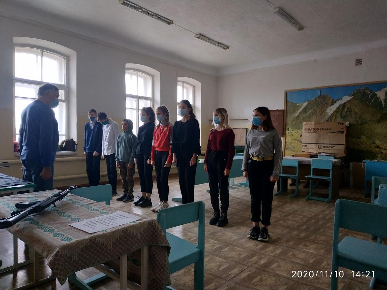 Продолжаются тренировки юнармейцев Петровска