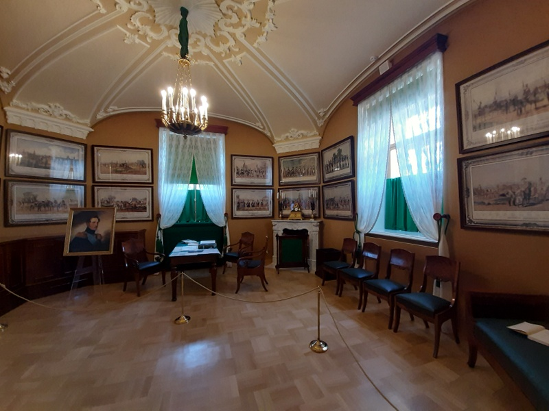 Малый кабинет Николая I в Арсенальном каре.