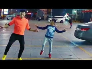 Wei Jia and son Wang Wei dance the latest dance to Trolling  Thankyou for liking my dance, spread it