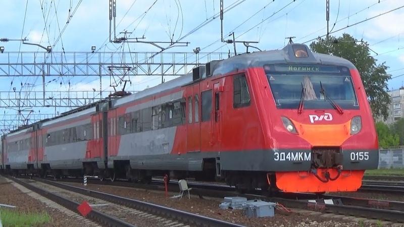 Электропоезд ЭД4МКМ-0155 с приветливой бригадой-)