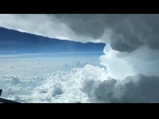 A friend doing some flying around some thunderstorms down in texas. txwx