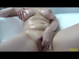 Молодой трахает зрелую сочную маму до оргазма ( порно мамки зрелын милф milf большие сиськи mature )