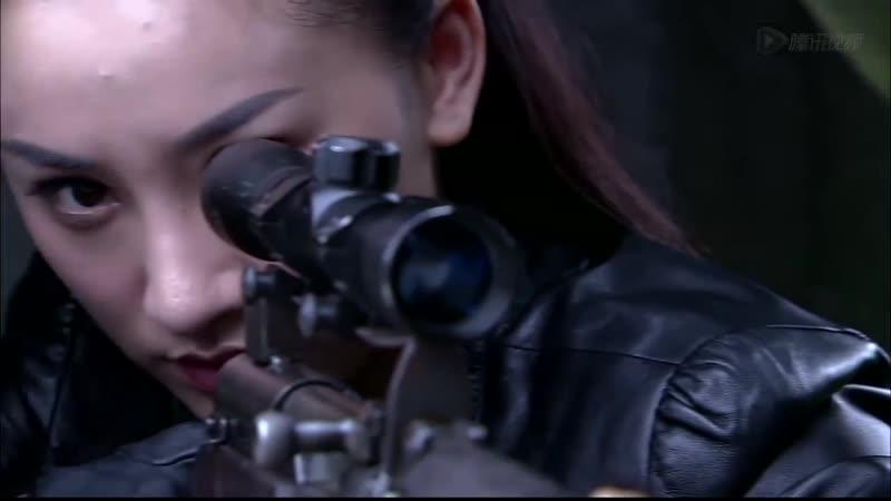 美女特工假装服侍汉奸泡温泉,没想到下一秒就开始刺杀行动了! 1 1