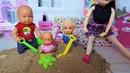 ПЕСОЧНИЦА ВО ВЕСЬ ДОМ! КАТЯ И МАКС ВЕСЕЛАЯ СЕМЕЙКА Мультики с куклами Барби новые серии