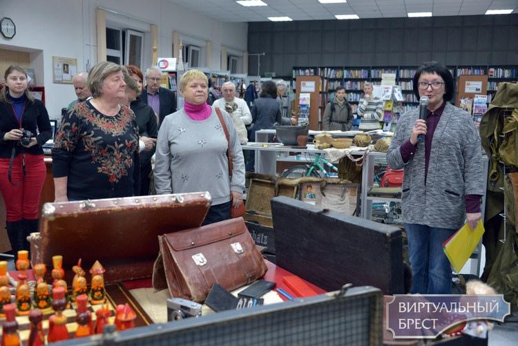 Отпускные хлопоты или ретро-выставка «Чемодан, саквояж, корзинка, картонка...» в Бресте