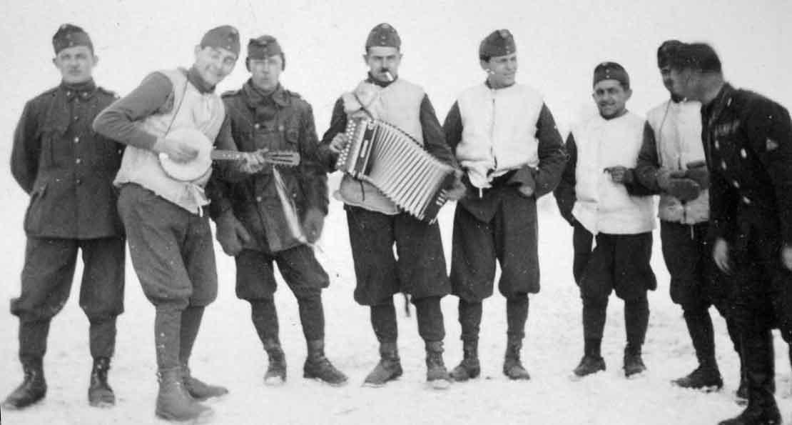 Отдых венгерских солдат