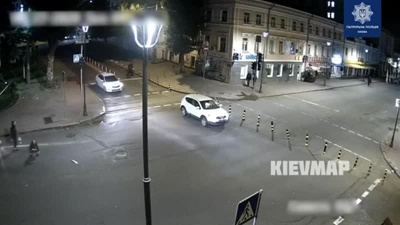 Осторожно Олени на внедорожниках на дорогах