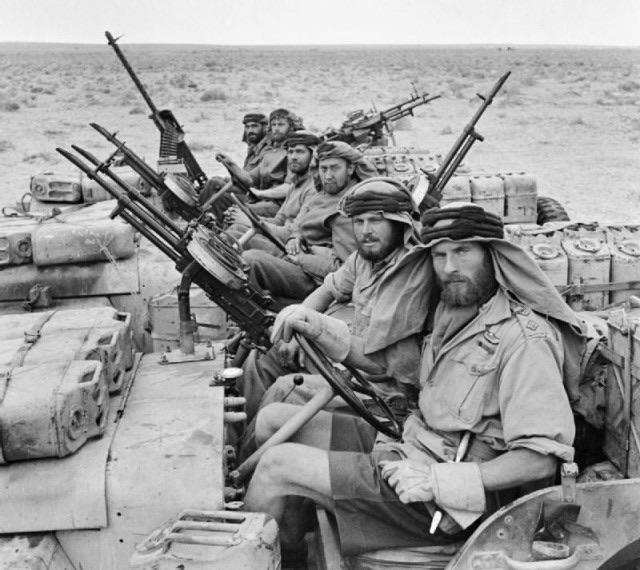 SAS возвращается с патрулирования. Северная Африка, 1943 год.