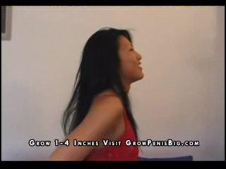 Сладкая азиатская сучка оттрахана за деньги (сосет, секс, порно, минет, анал)