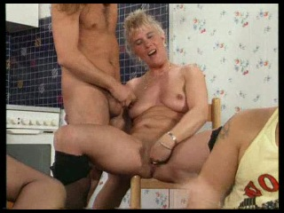 (bbw) fat mature granny bangers [german]