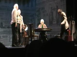 """Сцена из спектакля """"Соло для часов с боем"""".(На сцене Театра Комедии им.Акимова)"""
