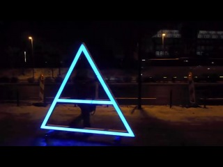 30 seconds to mars - giant rolling glowing triad @ oberhausen 6-12-'10