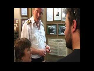 Помощник капитана парусника #Седов Валерий Василевский проводит специальную экскурсию для победителей международной викторины Rusia Hoy в Уругвае (видео).