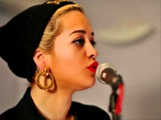 Rita Ora - Somebody That I Used To Know (Gotye & Kimbra Cover @ Radio 1's Live Lounge)