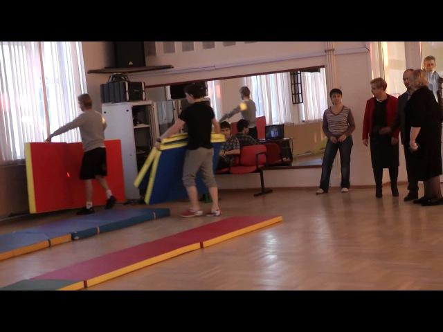 Женя Плющенко и Никита сами готовят к занятиям зал. Знакомятся с физруками.Мастер класс 19.02.15