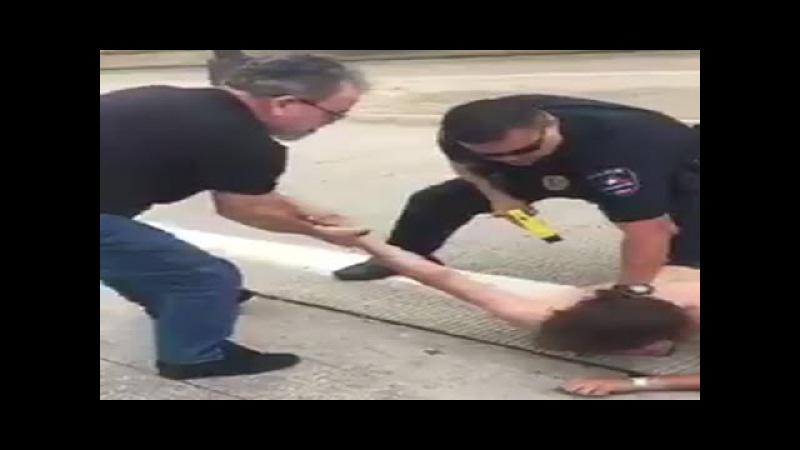 Olhem como o cidadão americano age perante uma ação da polícia... | Forças Mitais