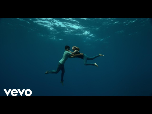 Naughty Boy ft Beyoncé Arrow Benjamin Runnin' Lose It All Official Video