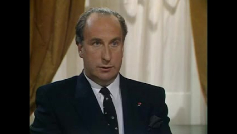Да господин премьер министр Сезон 2 3 Дипломатический инцидент