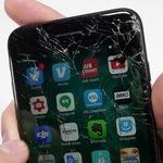 Замена iPhone 7/7+ с битым стеклом на новый