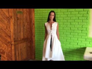 """Роскошное джинсовое платье """"Орио"""" от Kriza в белом оттенке"""