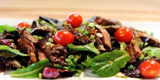 10 салатов для тех, кто любит мясо, изображение №3