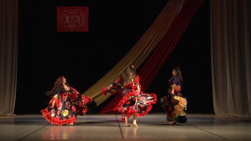 Москва Красноармейск Фестиваль цыганского искусства Цыганский талисман Я и мои девочки на сцене с танцем Таборный