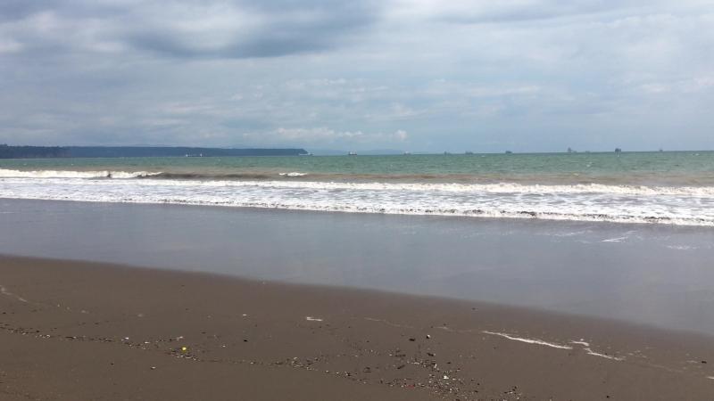 Южная сторона Пунтаренаса Пляж длинною во весь город Это как минимум 10 км