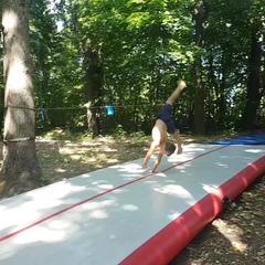 Акробатика и САМБО в Москве on Instagram: Вчерашняя тренировка, Саня сумел сделать, три раза подряд, сложный акробатический элемент - двойное саль...