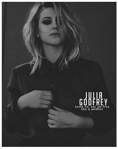 Julia Godfrey, München - фото №5