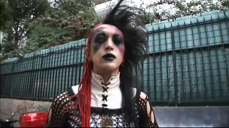 Moi Dix Mois backstage footage 2 2 Dixanadu ~Fated Raison d'être ~ Europe Tour 2007
