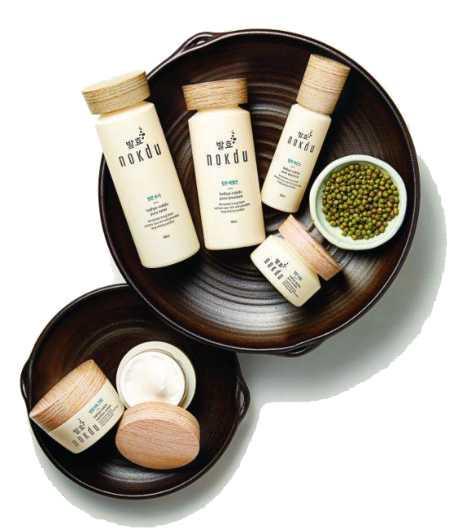 Линия Balhyo Nokdu — это детокс-программа для Вашей кожи на основе традиционного корейского компонента — бобов мунг (маш), созданная по уникальному рецепту народной корейской медицины
