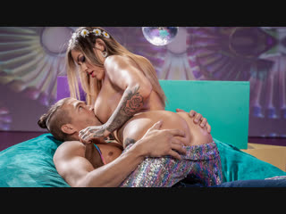 Brazzers - Big Wet Butts - Flower Pounder
