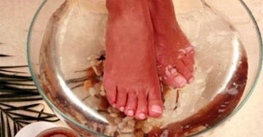 Японская техника: окуните ноги в эту смесь и очистите весь организм! |  ВКонтакте