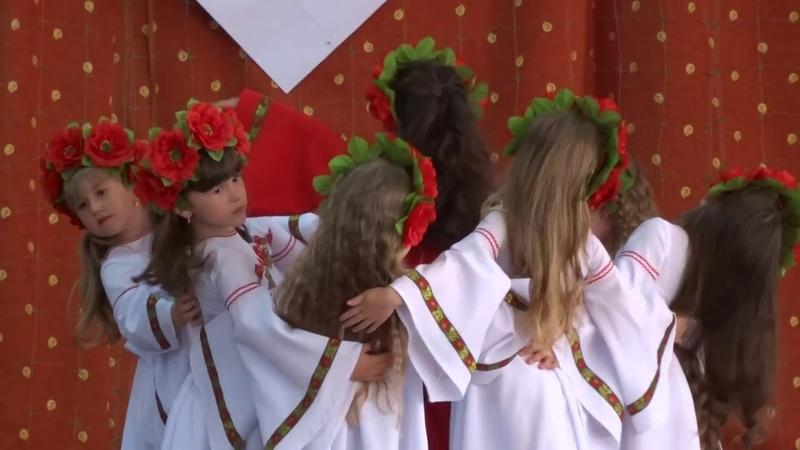 Танок Дивна квітка у виконанні юних талантів старшої групи Зірочки