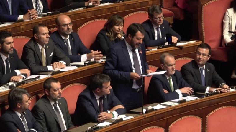 Salvini contro il premier: Le lascio poltrona figlia di tradimento e slealtà. E cita Aristotele