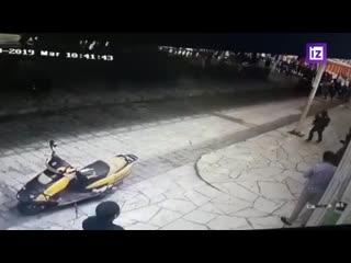 Мексиканского мэра привязали к машине и протащили по асфальту
