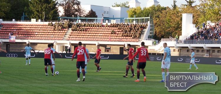 Авиашоу устроили на футболе. Брестское «Динамо» разгромило «Минск»