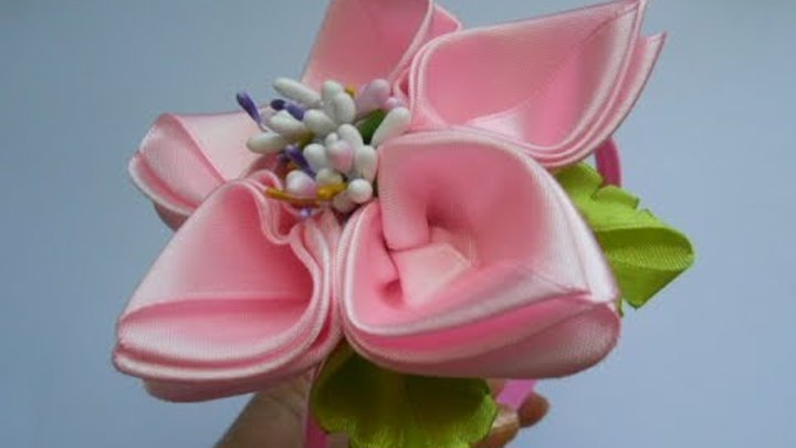 Цветок из атласной ленты МК DIY Flower of satin ribbon Flor Tutorial de fita de cetim