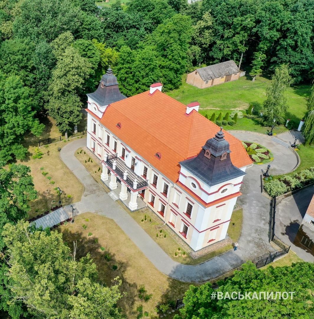 В деревне Скоки находится удивительный памятник архитектуры XVIII века