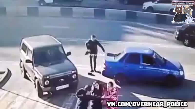 В Ростове бородач на «приоре» решил объяснить водителю нивы как ему ездить