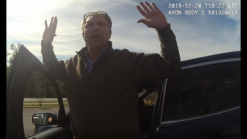 Caught on bodycam FBI agent chasing Florida corruption complaint ends up locked in patrol car