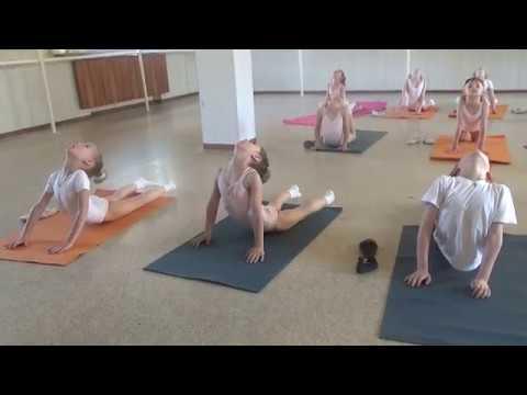 Упражнения для гибкости спины. Колечко. Балет для детей||Не Мисс Николь| Miss Kate Gymnastics
