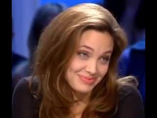 Angelina jolie x mackenzie davis