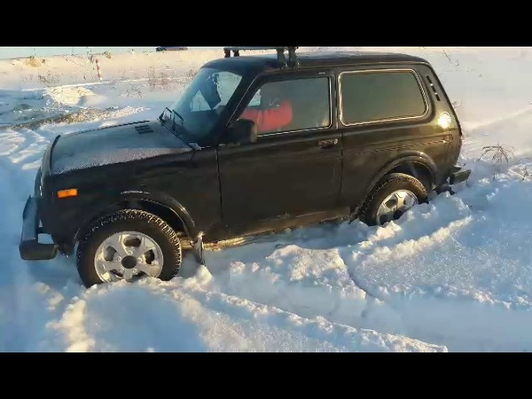 Niva 4x4 Эльбрус в снегу на штатных колесах проходимость👍