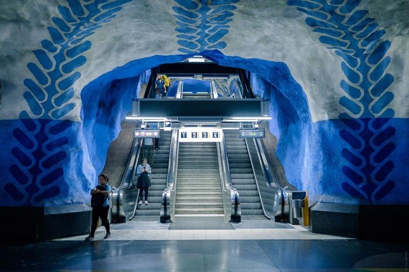 ТОП самых красивых метро, изображение №5