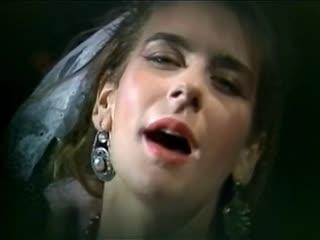 Valerie Dore - Get Closer (7 Version) (Original Music Video) (1984)