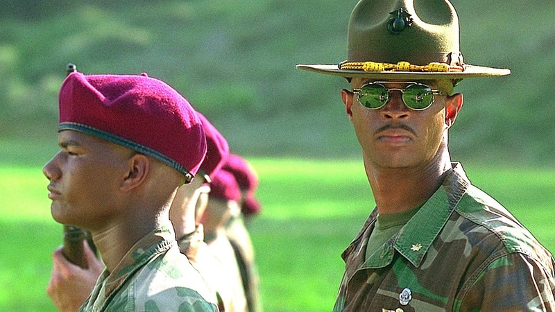 Майор Пейн превращает бестолковых хлюпиков в образцовых кадетов Майор Пэйн 1995 год