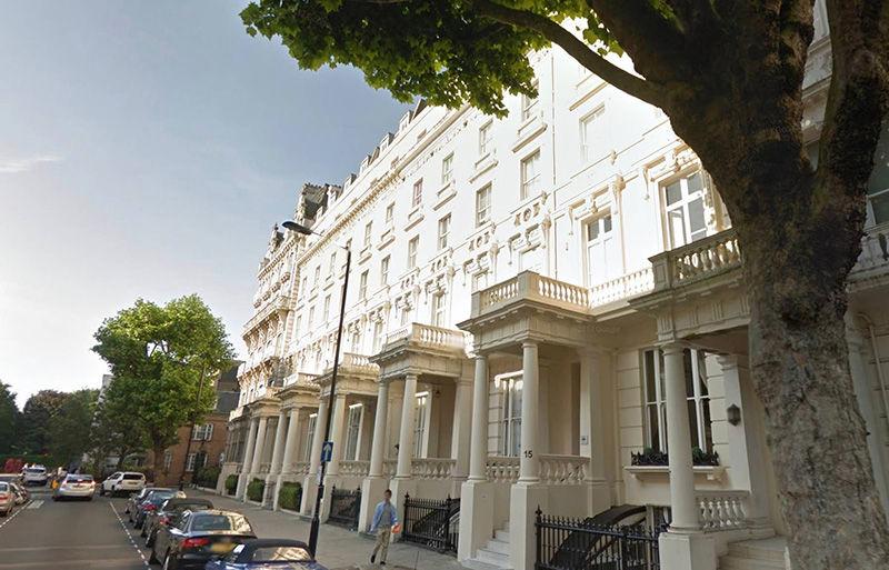 Смелый дизайн с нотками ар-деко в роскошном белом таунхаусе в Лондоне